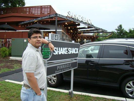 The Westport Inn: Shake-Shack Burger Joint
