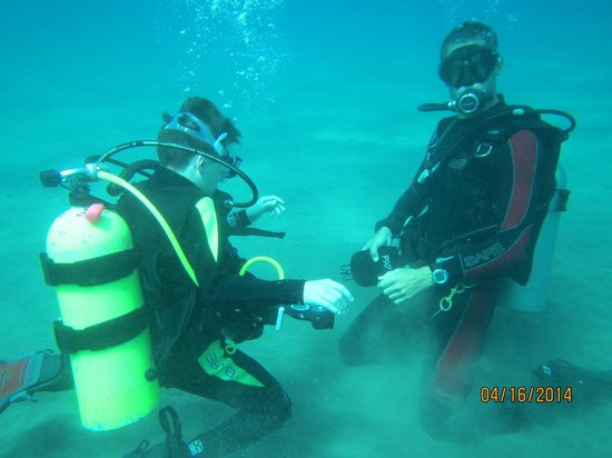 Banyan Tree Divers : Diving with Kevin