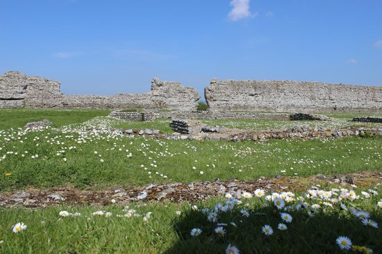 Richborough Roman Fort and Amphitheatre: View across the site