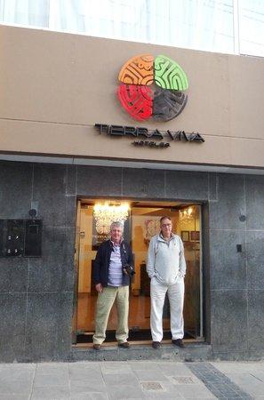 Tierra Viva Puno Plaza Hotel : Front door