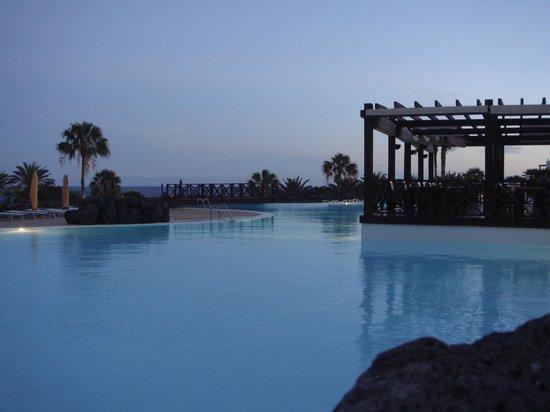 Hesperia Lanzarote: Main Pool & pool bar