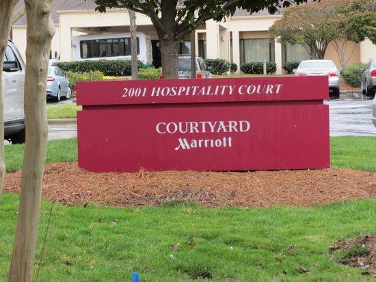 Courtyard Raleigh-Durham Airport/Morrisville: signage