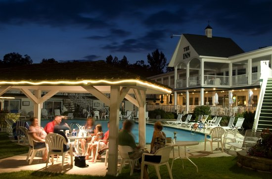 Inn at Okoboji: Night at the Pool!