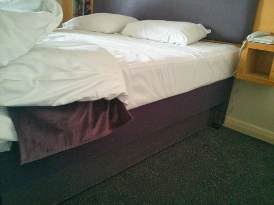 Premier Inn Glasgow City Centre (Charing Cross) Hotel: the bed
