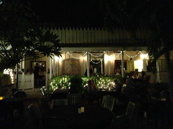 Kendricks: Courtyard