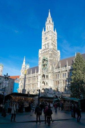 Marienplatz: Plaza