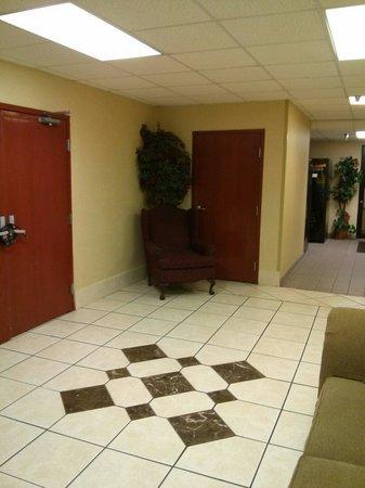 Lexington Suites of Jonesboro: Lobby