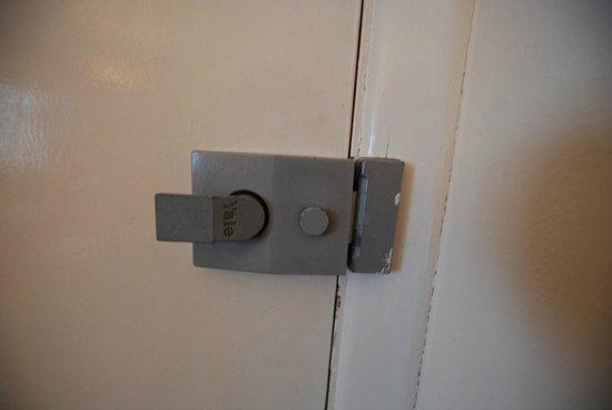 Mayfair Hotel: Historic piece of lock