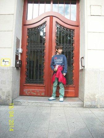 Dunaflat Apartments: Front door of the building