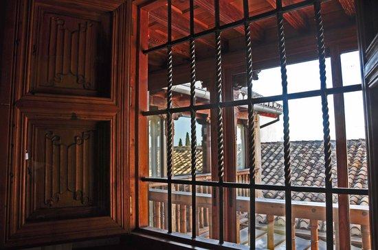Santa Isabel la Real : la fenêtre à jalousies