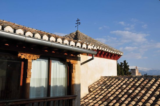 Santa Isabel la Real : vue sur l'Alhambra et la Sierra Nevada