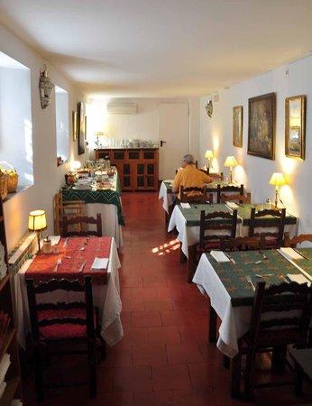 Santa Isabel la Real : la salle du petit déjeuner