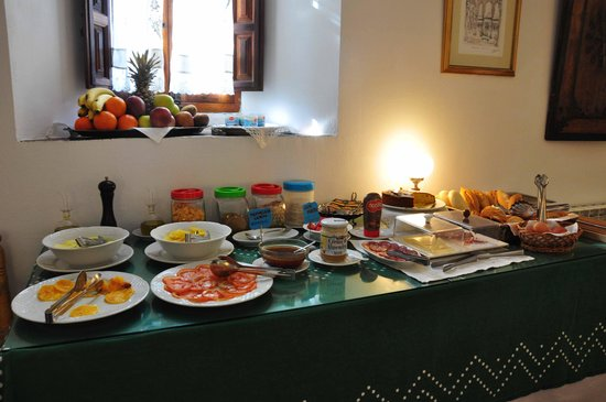 Santa Isabel la Real: le buffet
