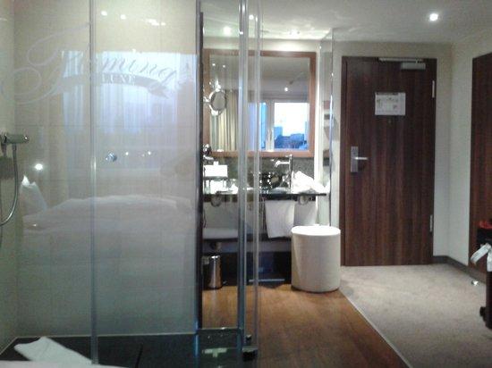 Fleming's Hotel Deluxe Frankfurt-City: quarto