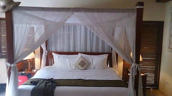 Balibaliku Beach Front Luxury Private Pool Villa: Bedroom