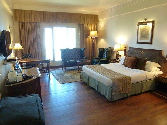 Radisson Hotel Jalandhar : spacious club bedroom