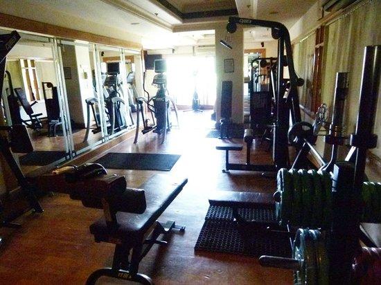 Radisson Hotel Jalandhar : fitness gym