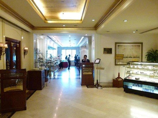 Radisson Hotel Jalandhar : Tiffany's cafe