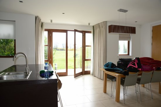 Waterford Castle Hotel & Golf Resort: Dining Room/Doors Outside