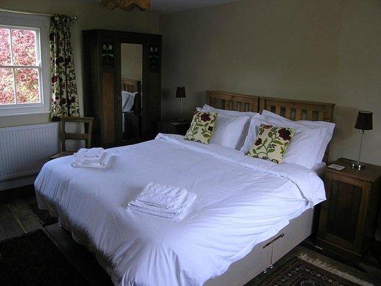 Oak Tree Farm Bed & Breakfast: The Granary Room @ Oak Tree Farm Yoxford