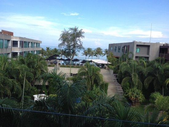 B-Lay Tong Phuket: Morning view