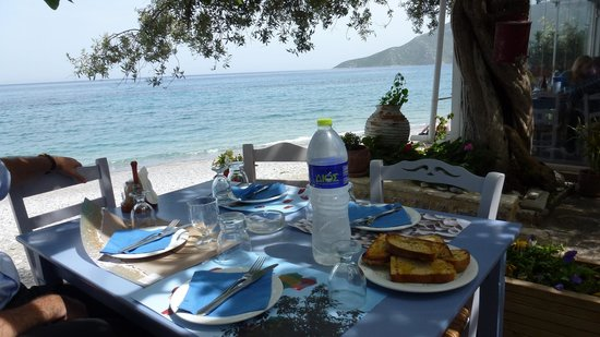 Myrtoon : sea view from our table
