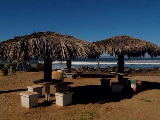Monalisa Beach Resort: I love the rustic feel