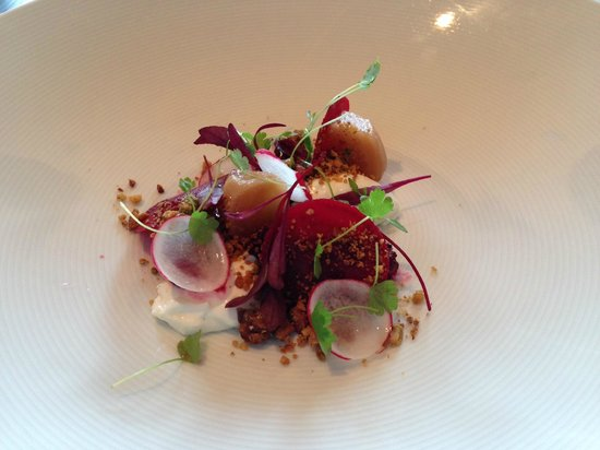 The Old Schoolhouse Inn: starter with beetroot