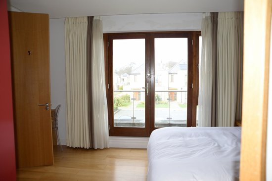 Waterford Castle Hotel & Golf Resort: Balcony in Master Bedroom