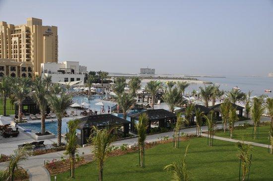 DoubleTree by Hilton Resort & Spa Marjan Island: The pool and beach
