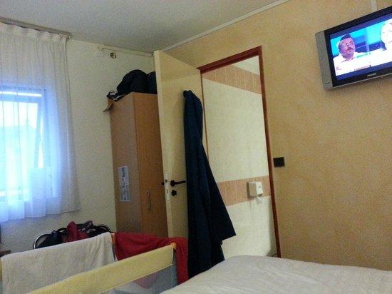 Hotel Kyriad Nice Port: stanza