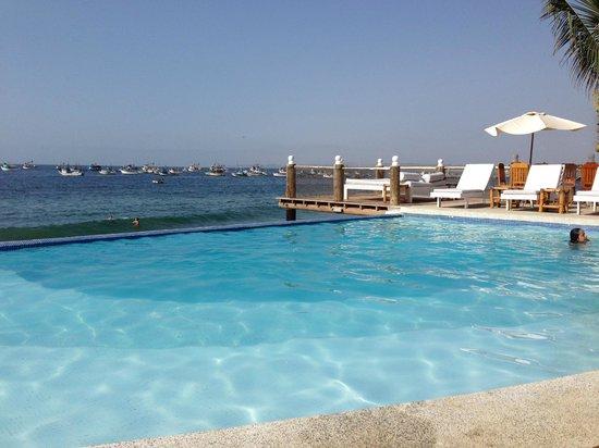 Hotel Grand Mare & Bungalows: PISCINA INFINITA