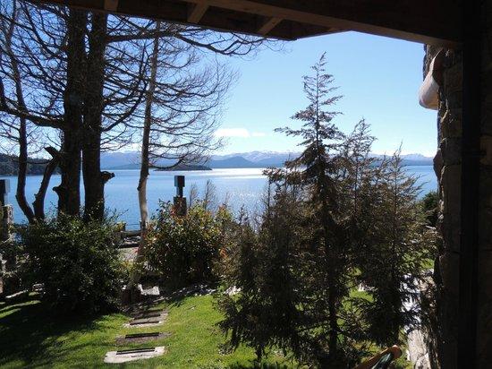 Lirolay Suites : vista do janelao da sala