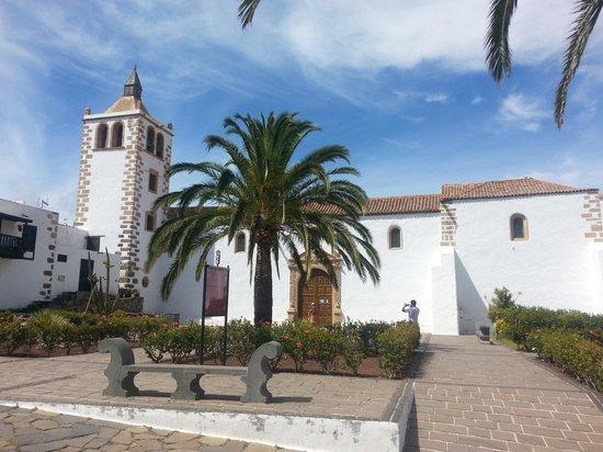 Esmeralda Maris: Dorf im Landesinnere