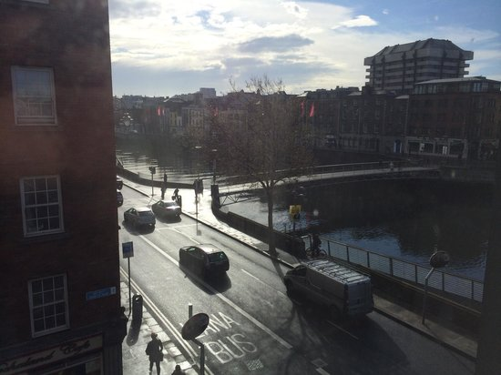 The Morrison, a DoubleTree by Hilton Hotel: View of River Liffey from corner of impressive King One Suite.