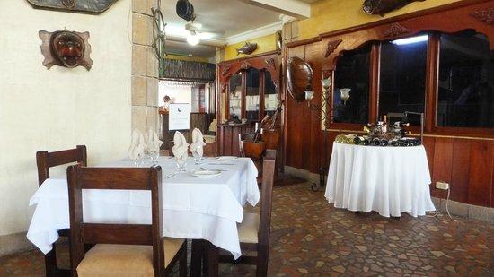 La Olla Cartagenera: Sitting at Table Viewing Entrance Way