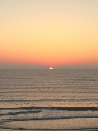 Hampton Inn Daytona Beach/Beachfront: Sunrise