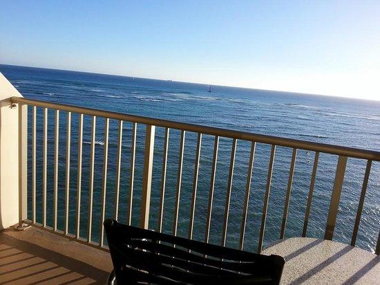 Outrigger Reef Waikiki Beach Resort: Balcony