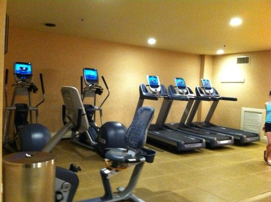Embassy Suites by Hilton Brea - North Orange County: high-tech gym