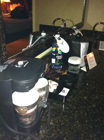 Embassy Suites by Hilton Brea - North Orange County: Coffee Bean and Tea Leaf cofffee