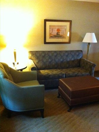 Embassy Suites by Hilton Brea - North Orange County: front room seating area