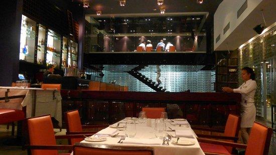 Int rieur du restaurant picture of la vitrola panama for Interieur restaurant