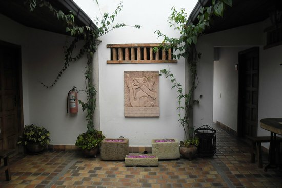 Yat B'alam Boutique Hotel: Lovely artwork