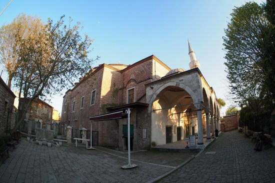 Kucuk Ayasofya Camii (Church of the Saints Sergius and Bacchus): И всегда пусто, что самое замечательное.
