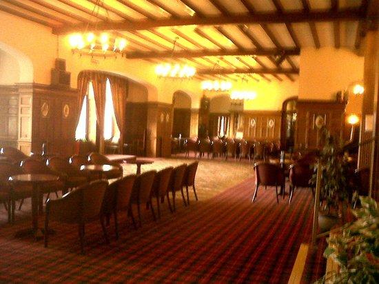 Bay Highland Hotel: the lounge