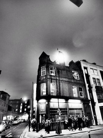 Jack the Ripper Tour - Discovery Tours : ten Bells public house