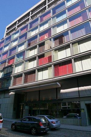 SIDE Design Hotel Hamburg: L'hotel Side vue de de face