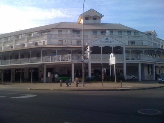 Esplanade Hotel Fremantle - by Rydges: front of hotel