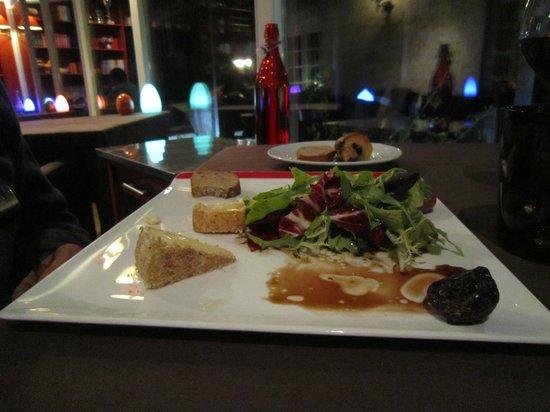 Domaine de Barive : assiette fromages salade