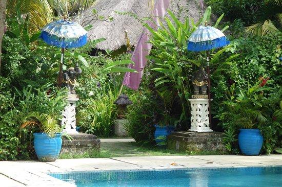 The Mansion Resort Hotel & Spa: elephants